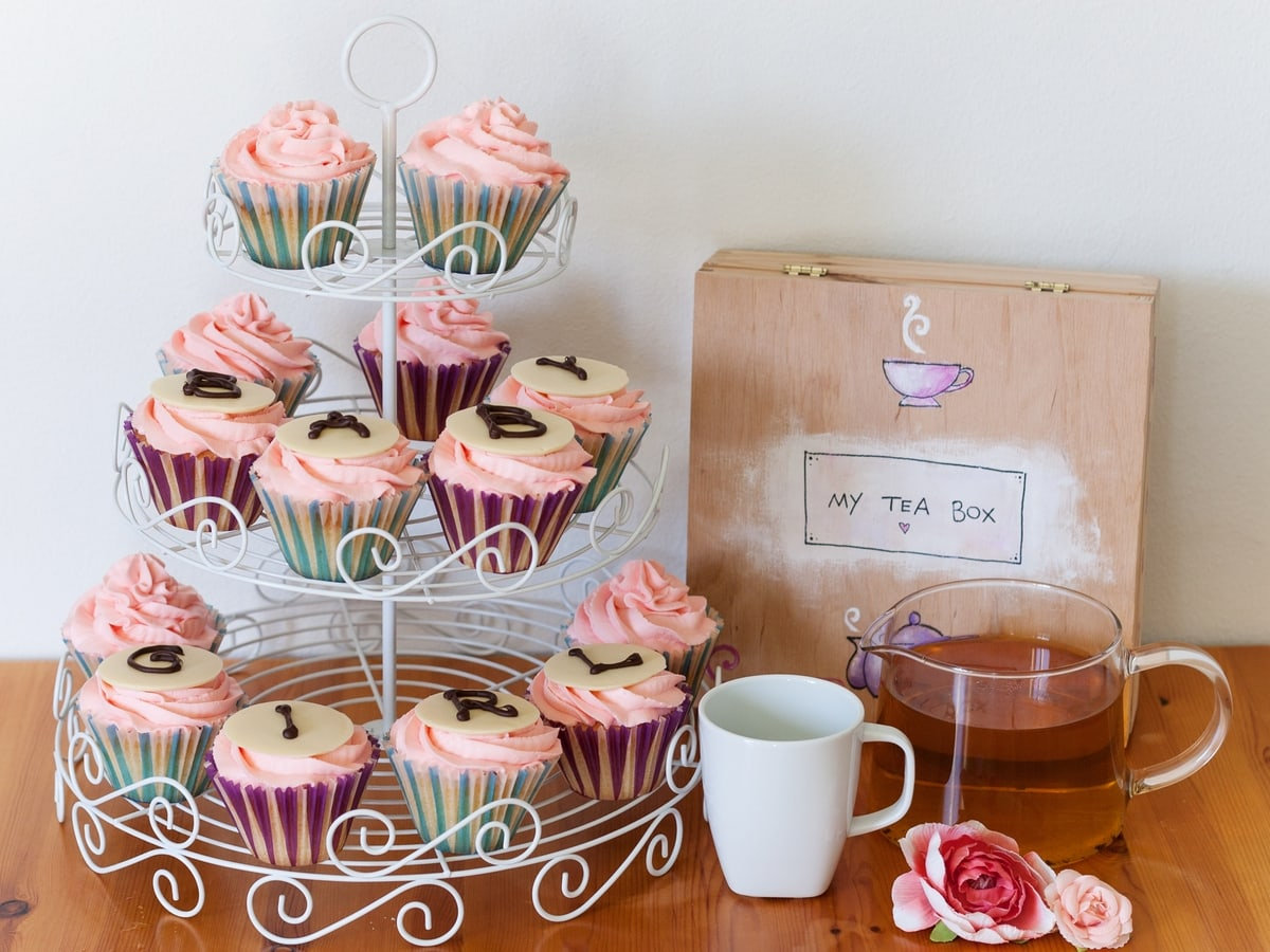 pink baby shower cupcakes