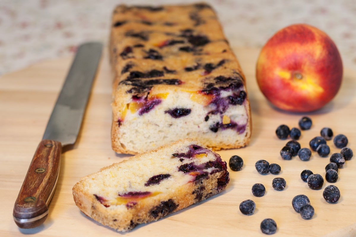 nectarine blueberry loaf cake