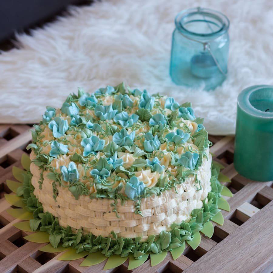 basketweave blue buttercream cake
