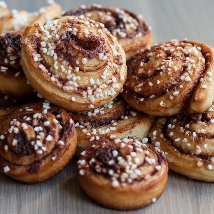 kanelbullar swedish cinnamon bun