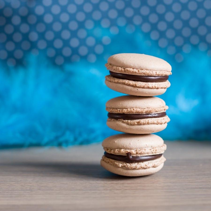 chocolate-macarons-02
