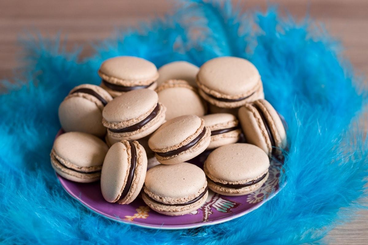 chocolate-macarons-03