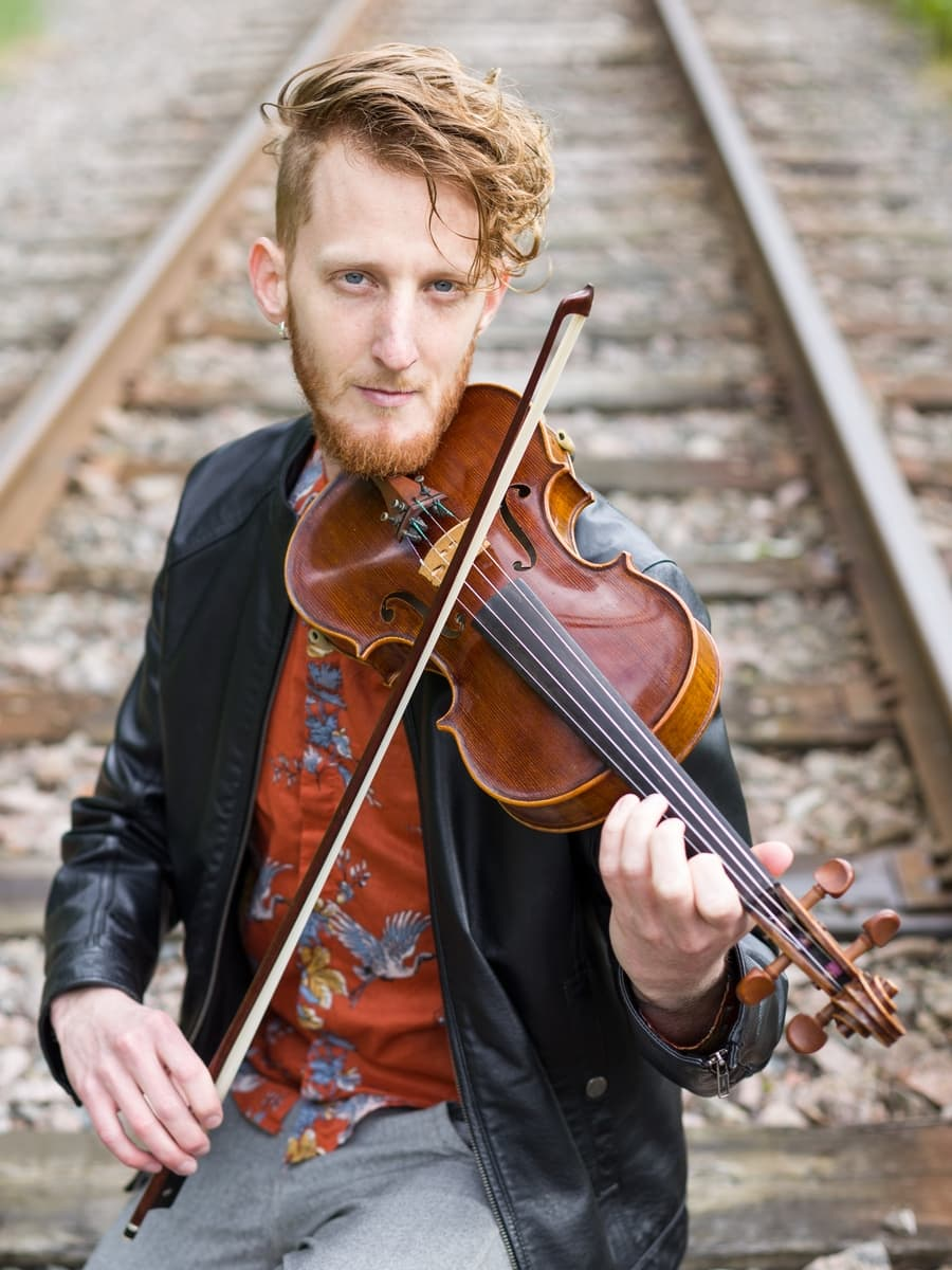 violinist violin player portrait