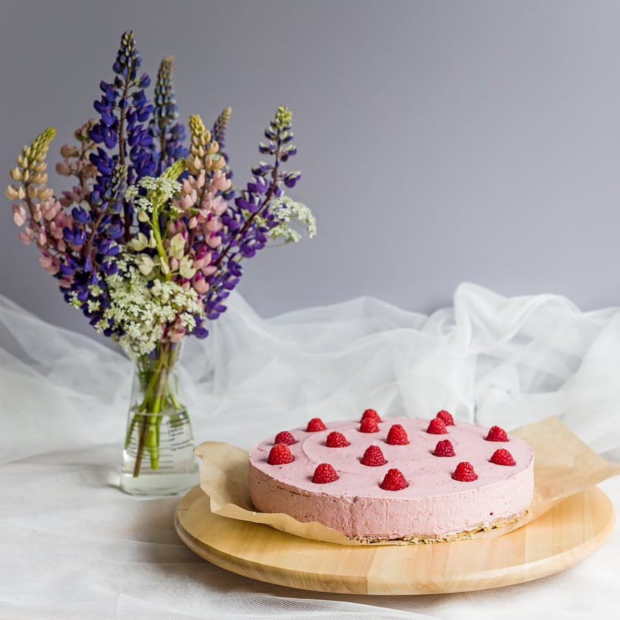 raspberry no-bake cheesecake lupins