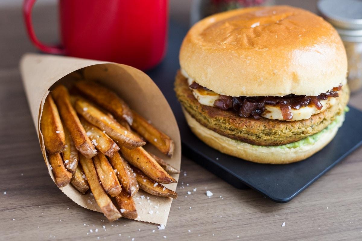 falafel-burger-halloumi-guacamole-3