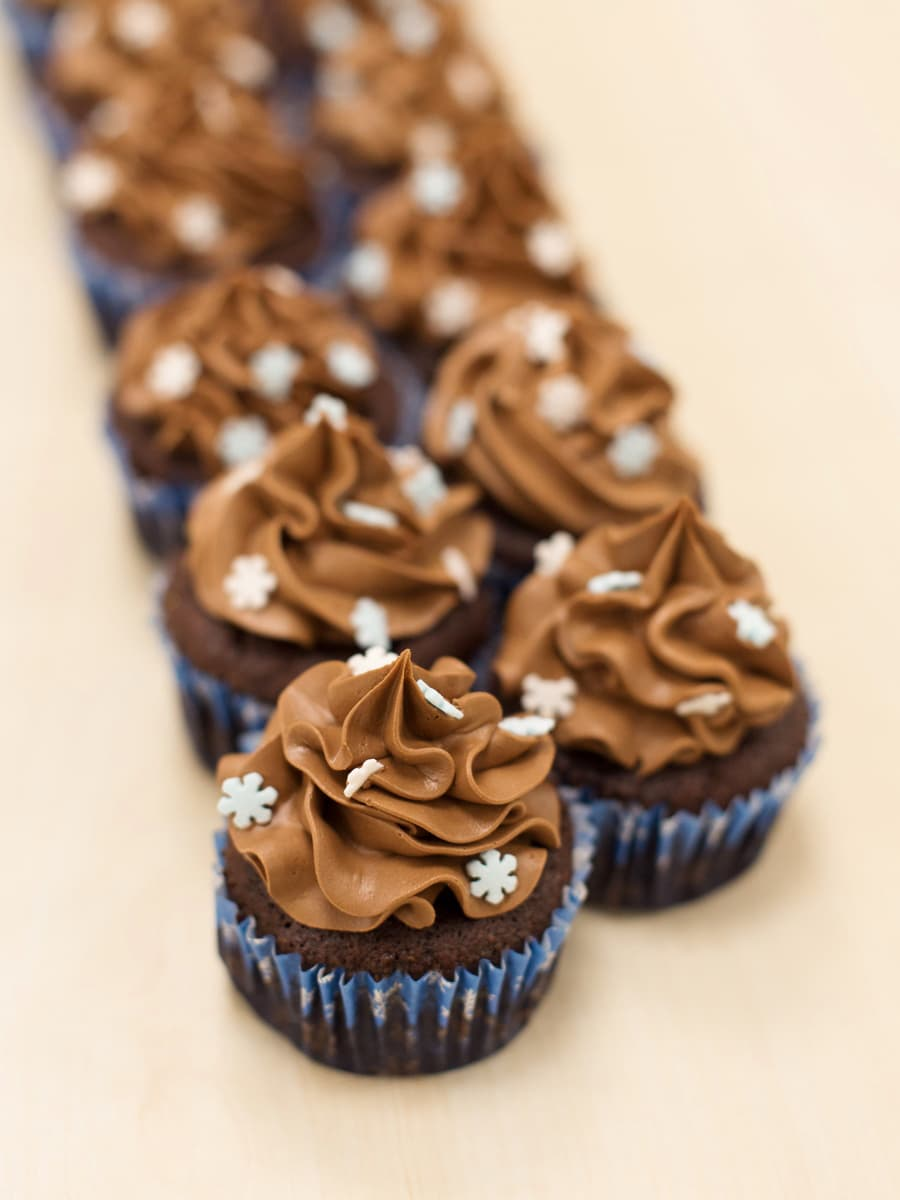 eggless-chocolate-cupcakes-6