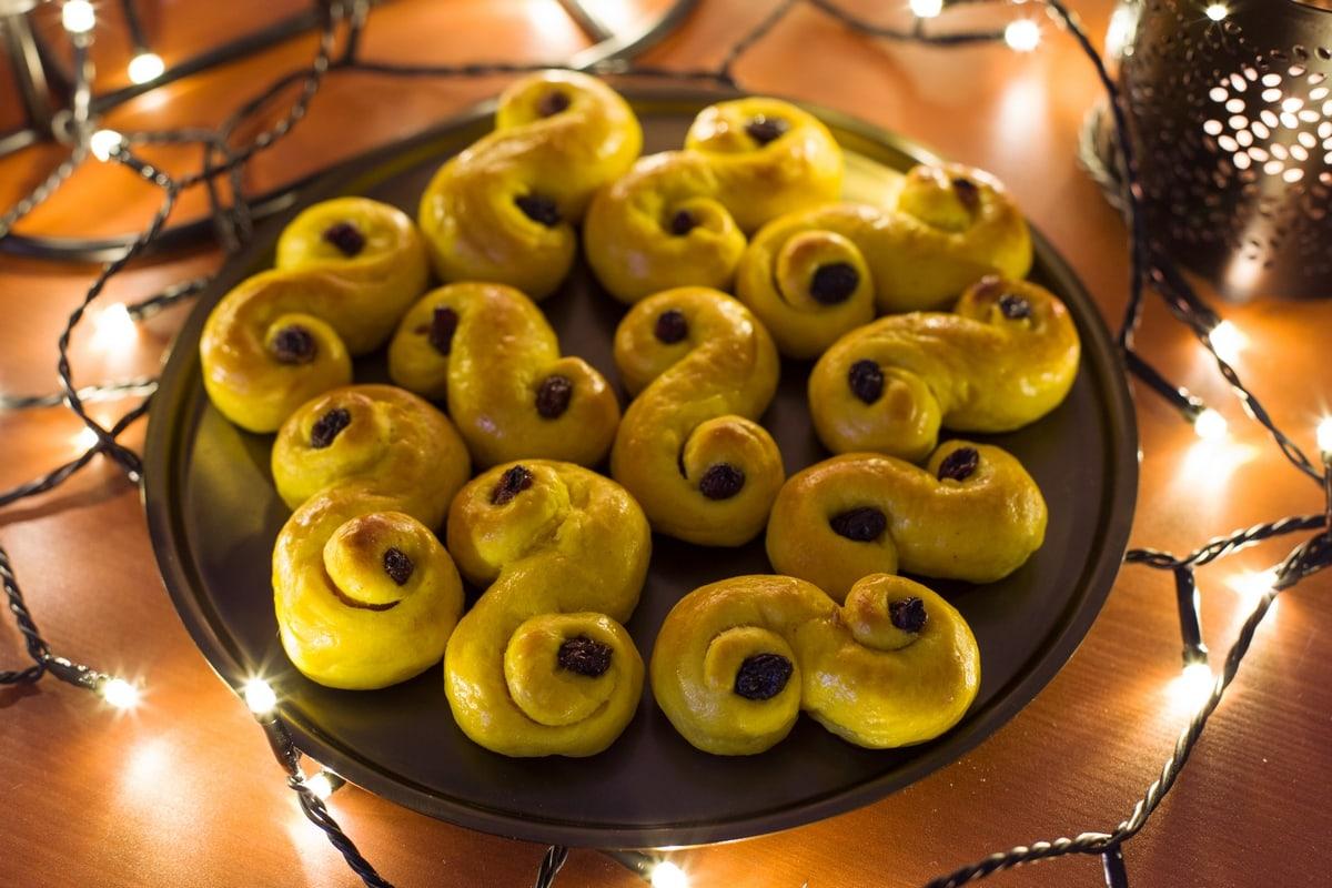 lussekatter-swedish-saffron-buns-5