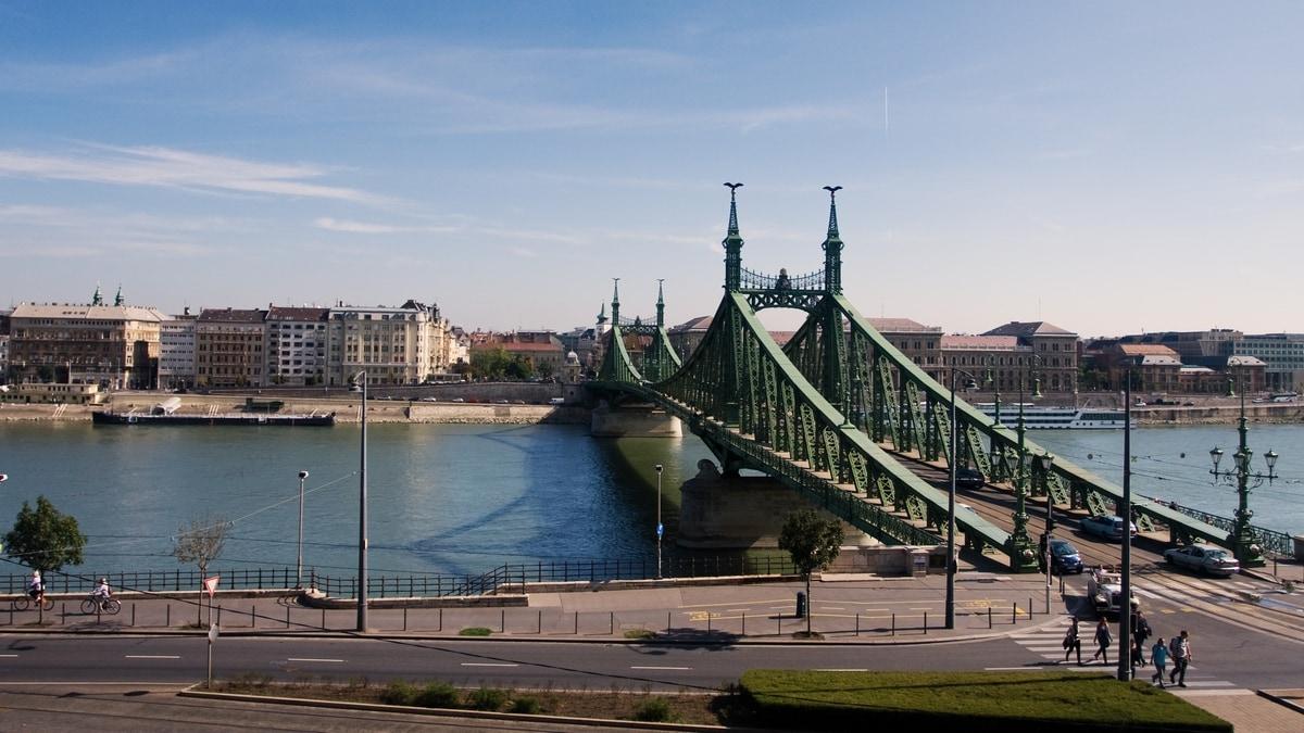 budapest hungary liberty bridge