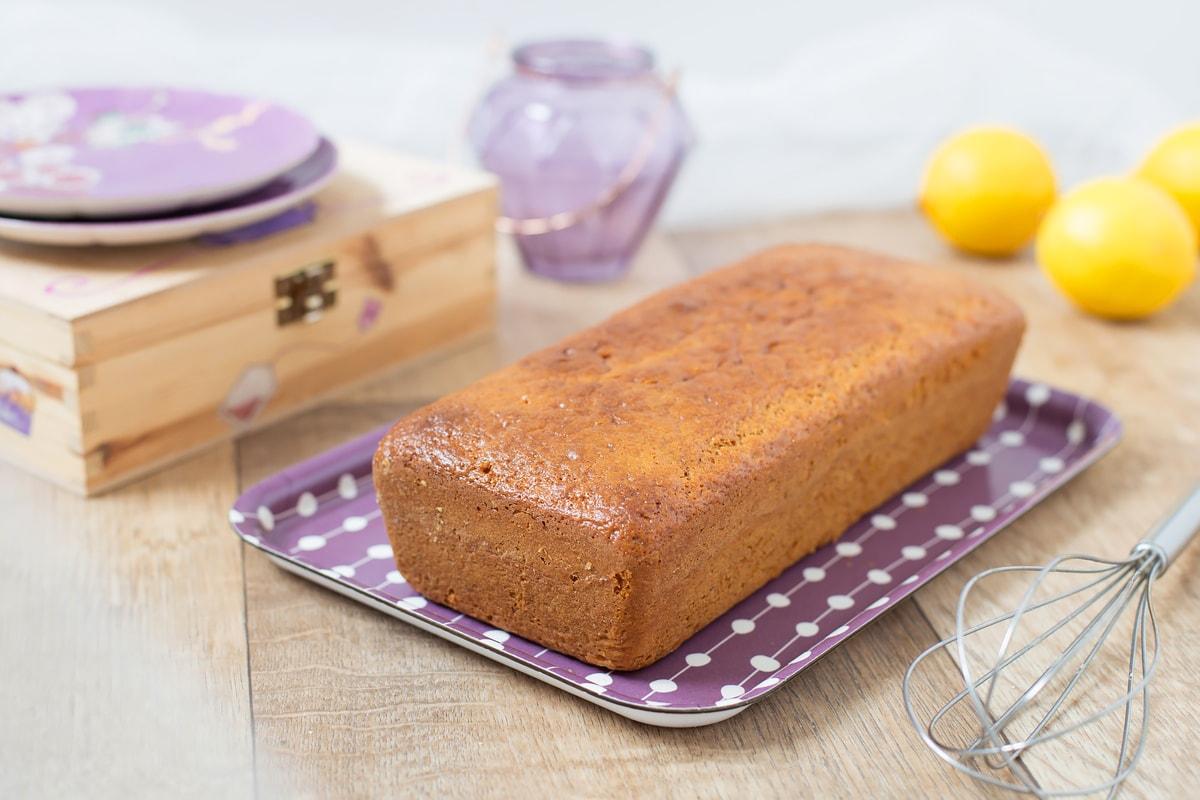 lemony yoghurt loaf cake