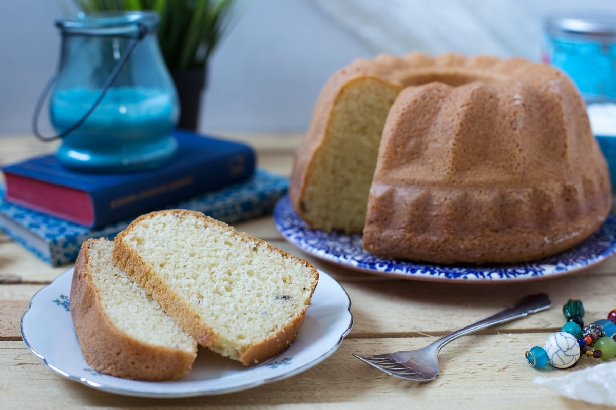 When To Take Bundt Cake Out Of Pan