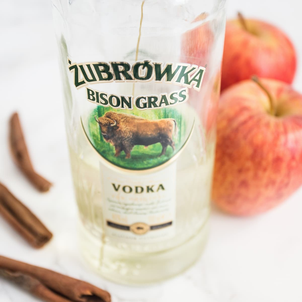 szarlotka apple vodka cocktail