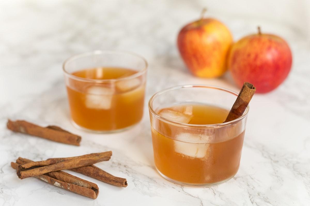 szarlotka apple vodka cocktail