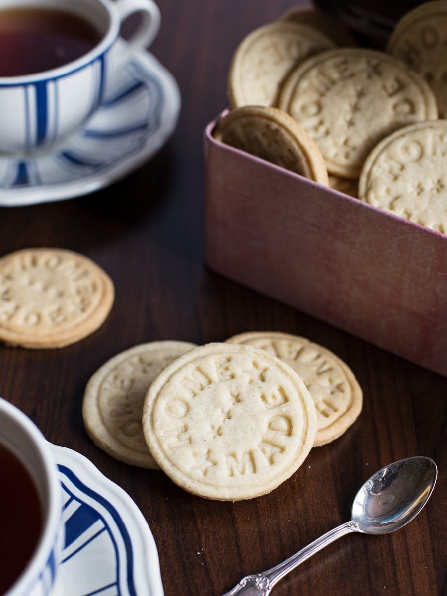 Easy vanilla and butter biscuits