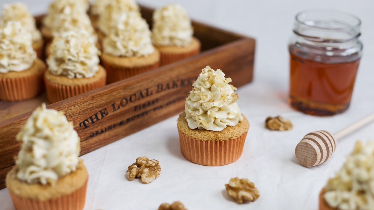 Walnut cupcakes with honey mascarpone frosting