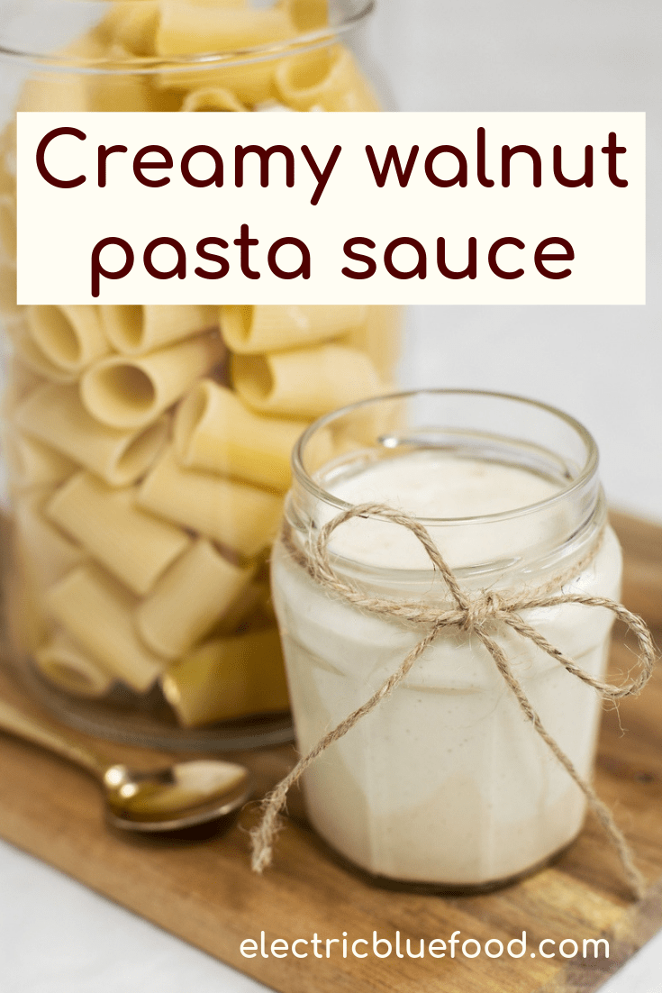 This creamy walnut sauce has a very delicate flavour and a perfect texture to coat your favourite pasta. Make walnut cream pasta sauce when you want to treat your guests to an Italian recipe that is not as common as other pasta sauces, but no less amazing.