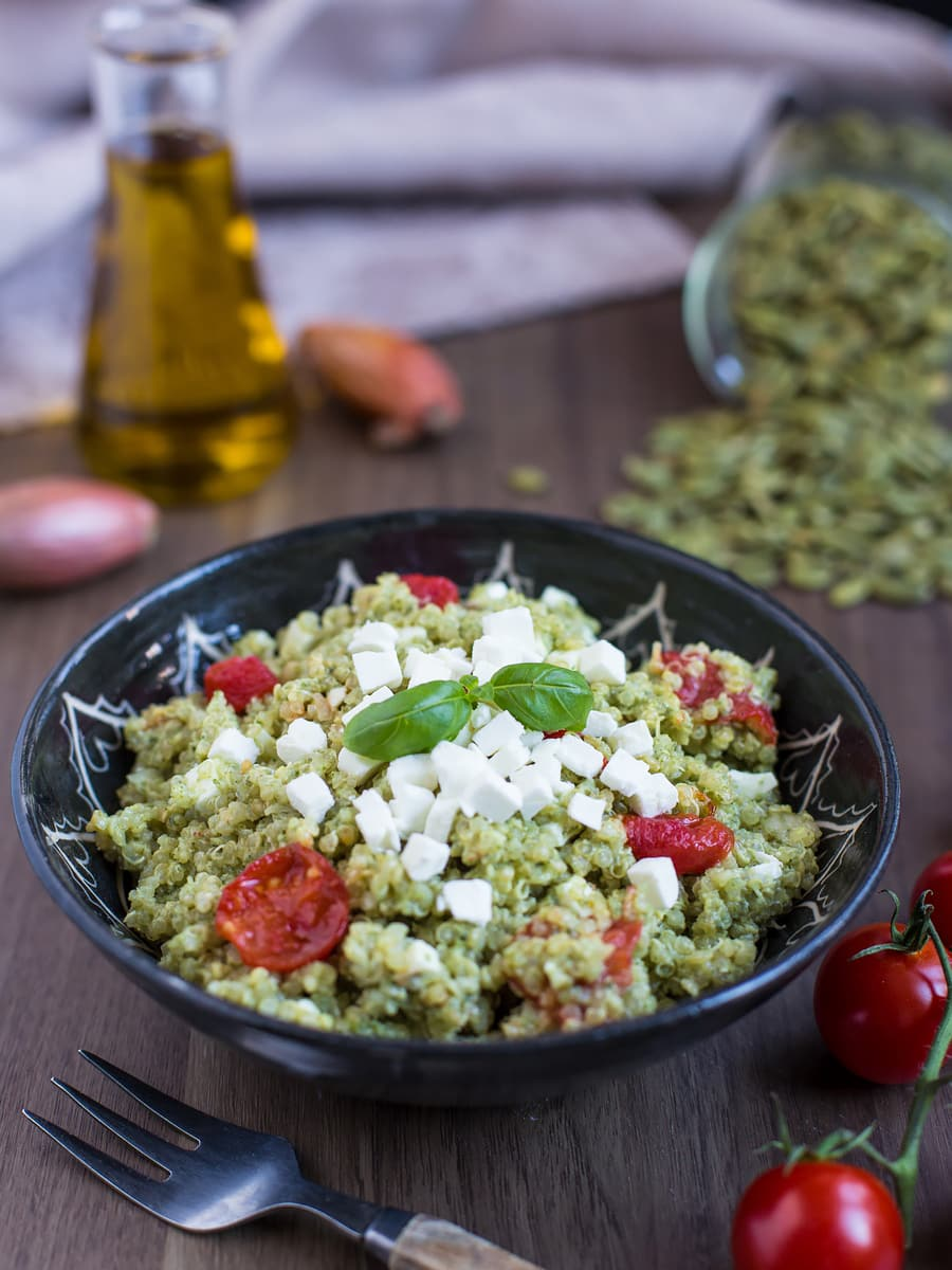 Quinoa salad with roasted tomatoes, feta and pesto