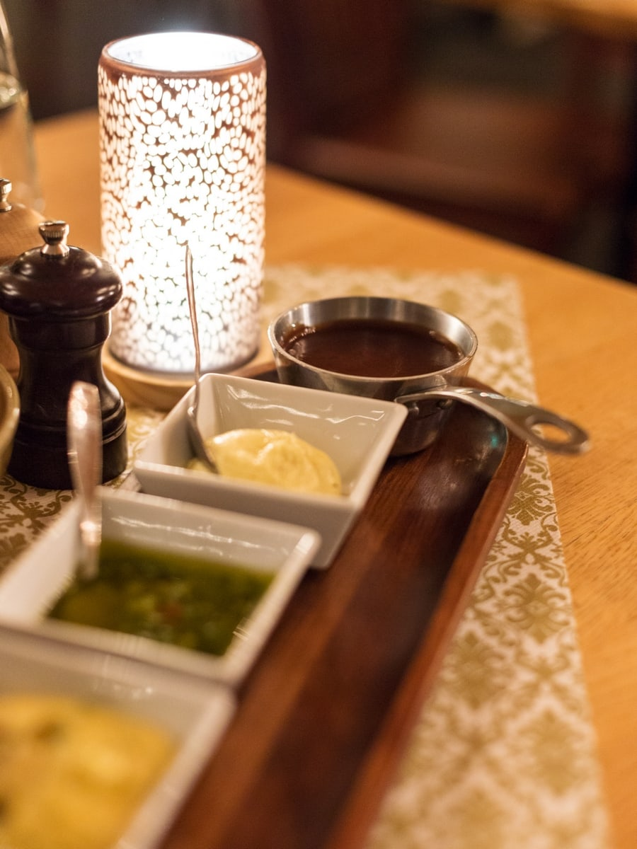 Fondueafton at Romme Alpin Toppstugan, a meat fondue dinner in Dalarna Sweden