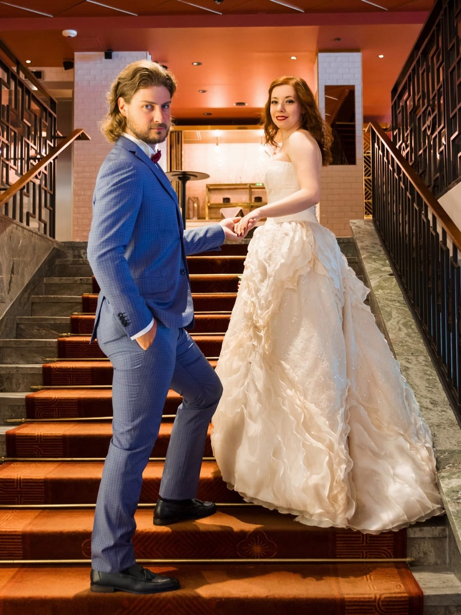 My wedding photo shoot at the beautiful hotel Haymarket by Scandic in Stockholm. We took our wedding pictures in the lobby and the bar Americain. Haymarket is a wonderful location for wedding photography.