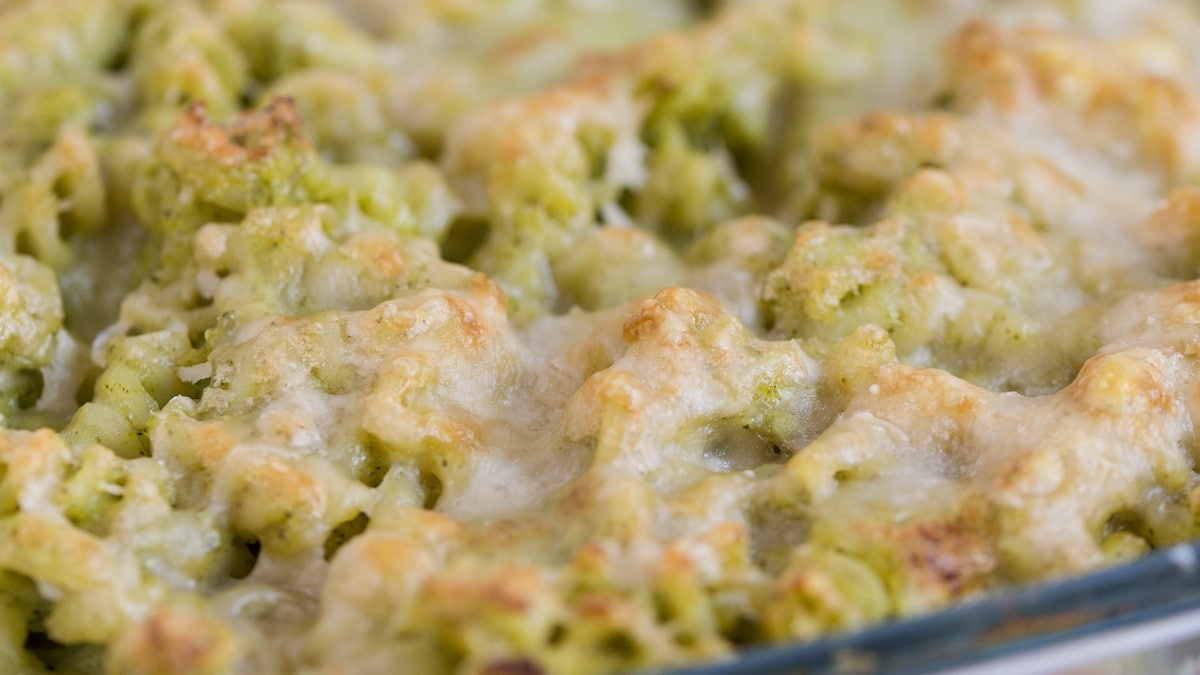 baked pasta casserole with broccoli