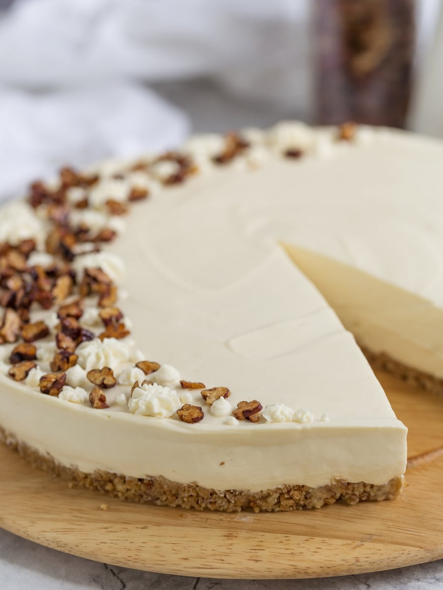 Sliced no-bake maple cheesecake.