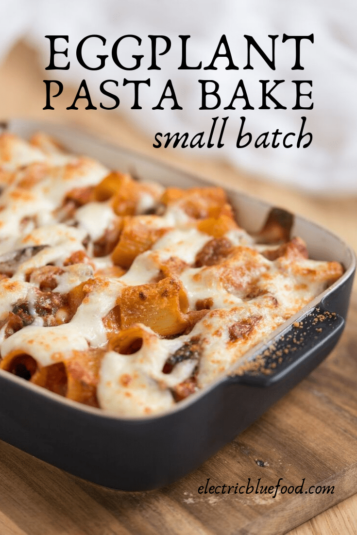 Small-batch eggplant pasta bake. A rich eggplant tomato sauce paired with your favourite pasta, drowned in bechamel and topped with crunchy parmesan.