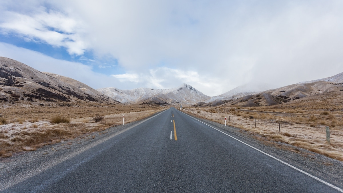 New Zealand road trip: a road across the South Island in the winter.