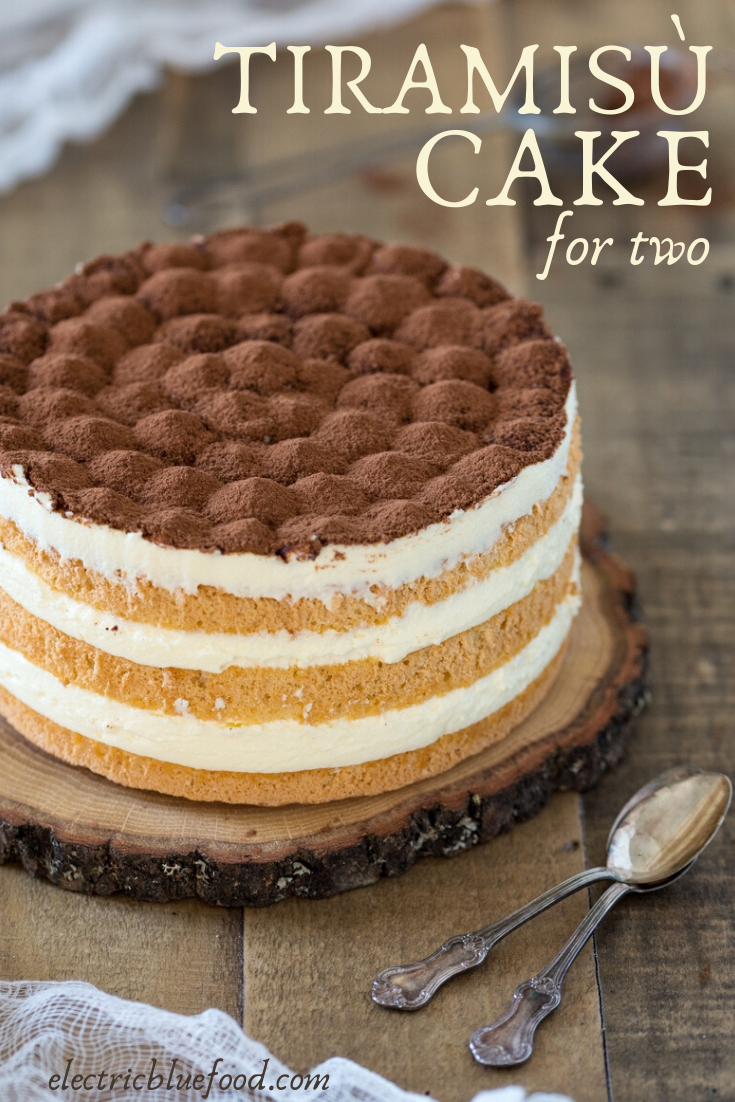 Small tiramisu cake for two. This small batch tiramisù made as naked cake.