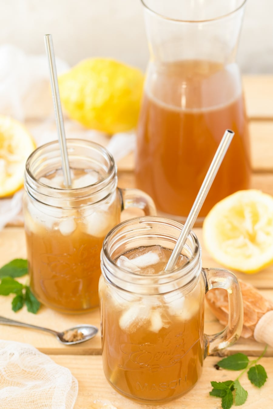 Brown sugar lemonade served in mason jars.