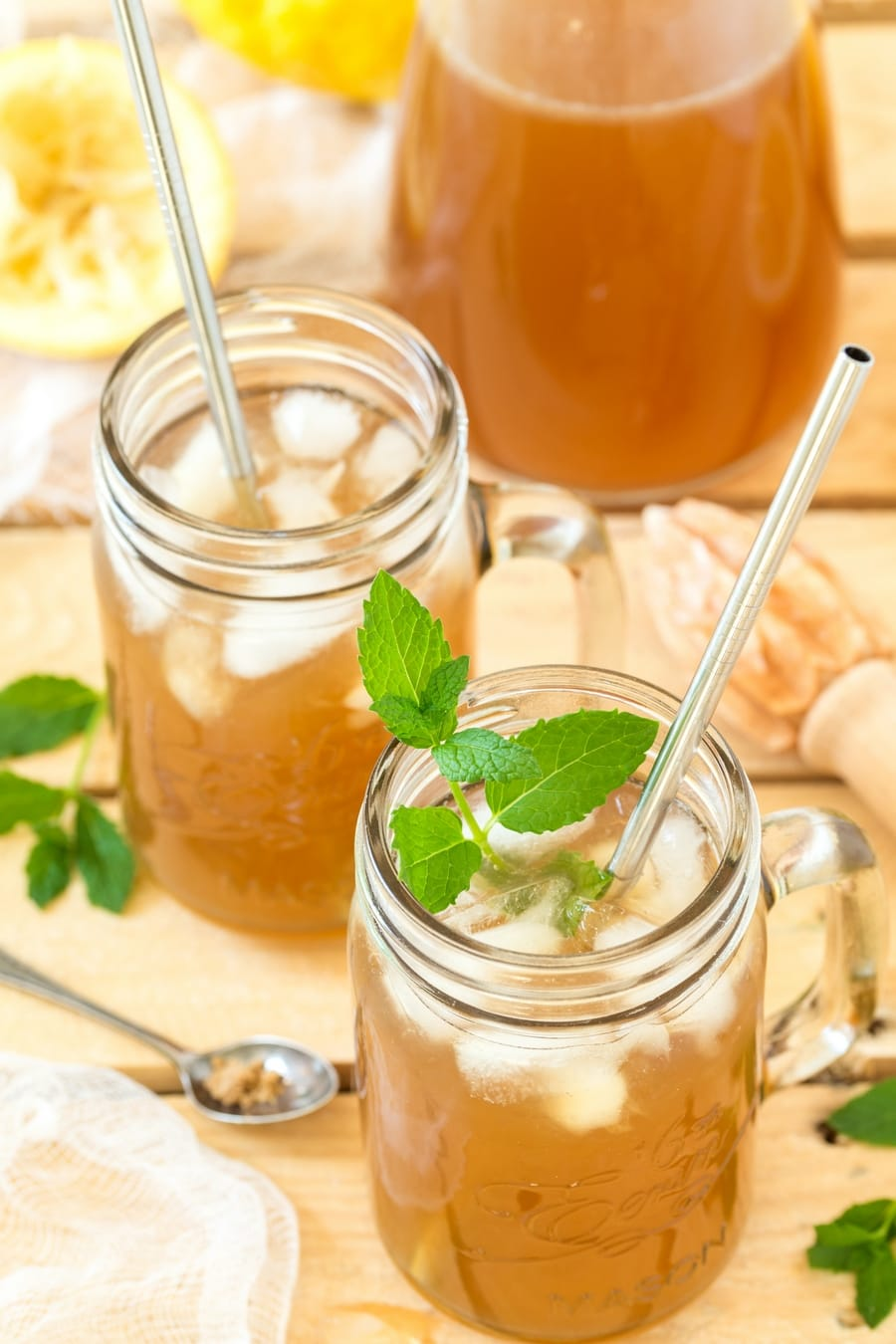 Brown sugar lemonade with a fresh mint sprig in the glass.