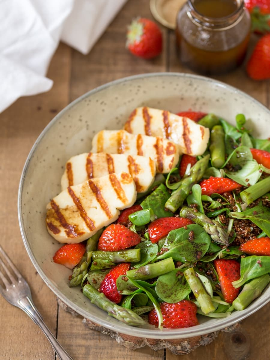 Halloumi asparagus salad with strawberries and quinoa.