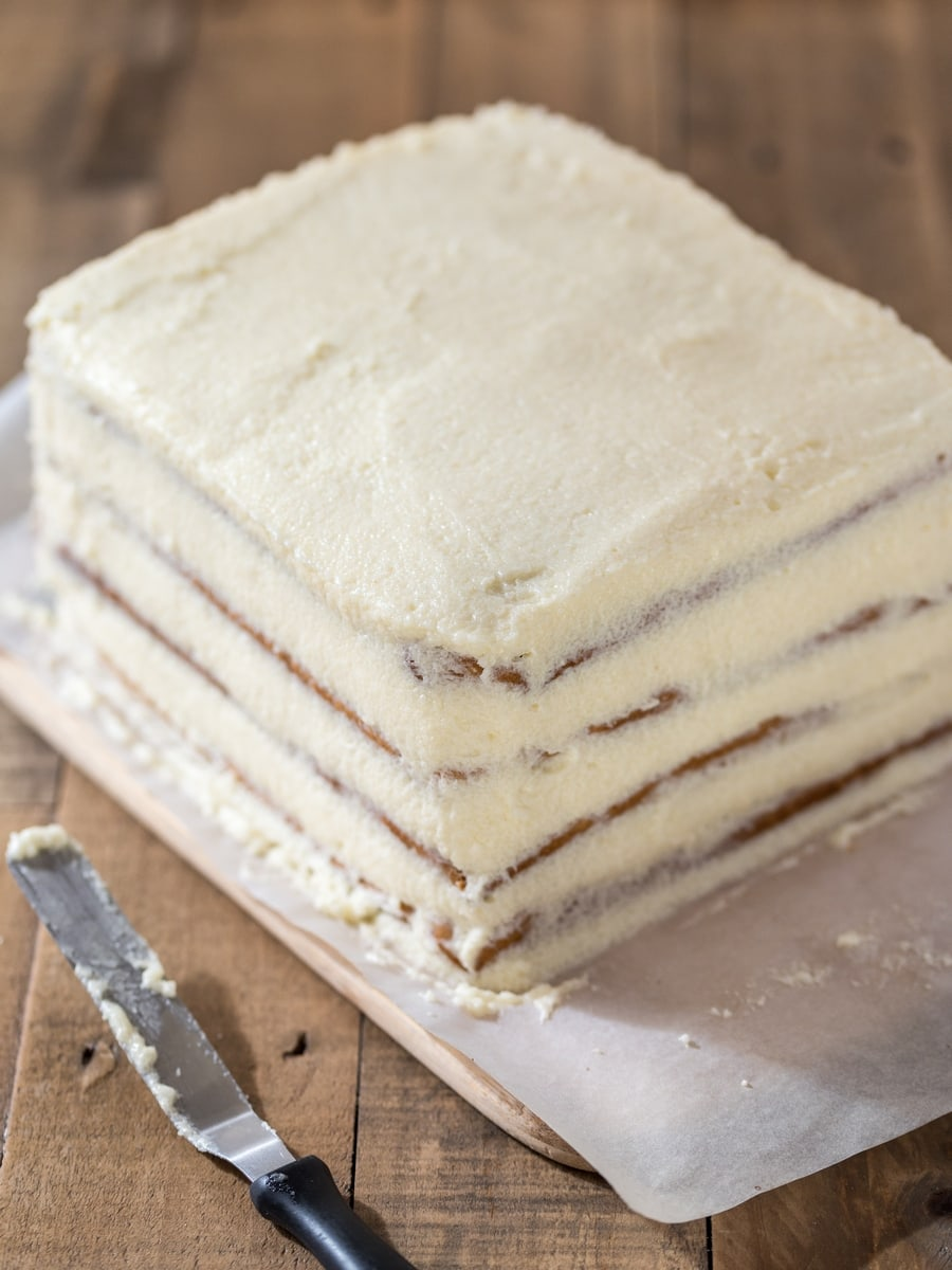 Polish honey cake grysikowiec filled with semolina cream.
