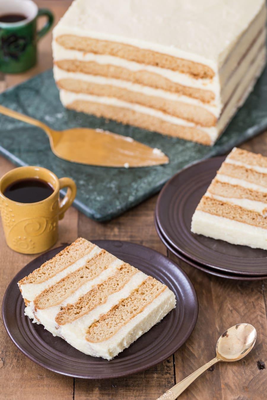 Polish honey cake grysikowiec sliced.