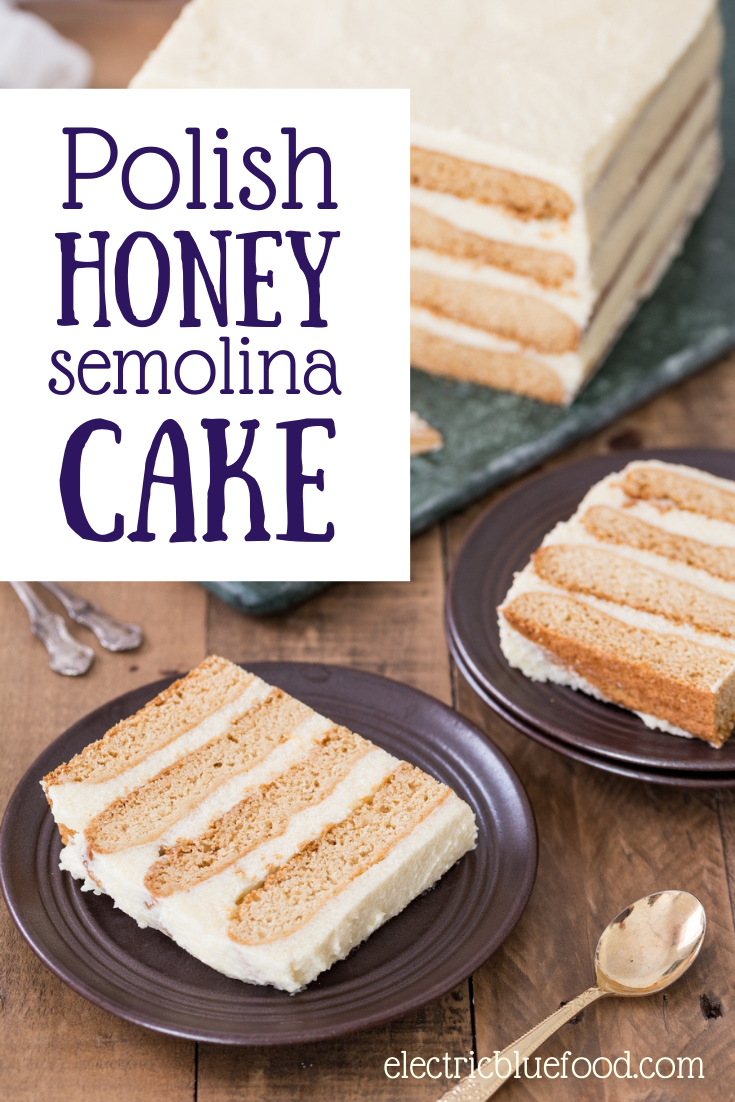Layers of honey pastry and semolina buttercream compose this Polish honey cake with semolina cream. A traditional Poish recipe that originates from a Jewish wedding cake, this Polish semolina cake tastes great on the 1st day and taste even better a few days later. A great make-ahead cake recipe. #grysikowiec #miodownik #choneklejkech #honeycake #semolinacake